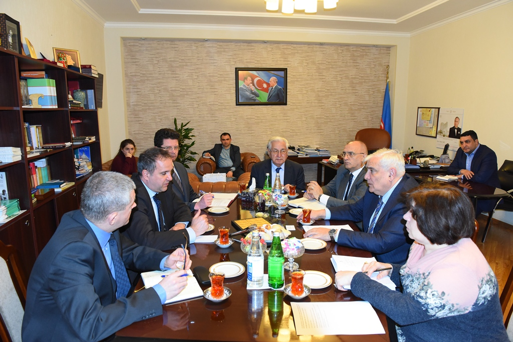 Rector of Azerbaijan University of Languages Met the Ambassador of Hungary to Azerbaijan