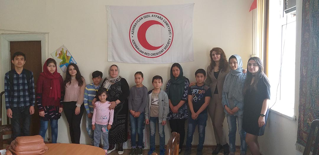 Students of Azerbaijan University of Languages Held an Aid Project to Migrants